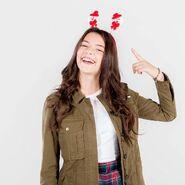 Nicole-s3p2-Christmas