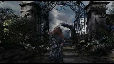Alice in Wonderland Official Trailer 2