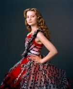 New-Alice-in-Wonderland-Mia-Wasikowska-Photoshoot-alice-in-wonderland-2010-10340861-1183-1450