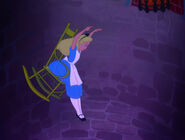 Alice-in-wonderland-disneyscreencaps.com-618