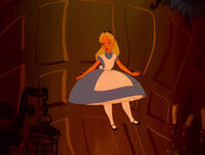 Alice-in-wonderland-disneyscreencaps.com-570