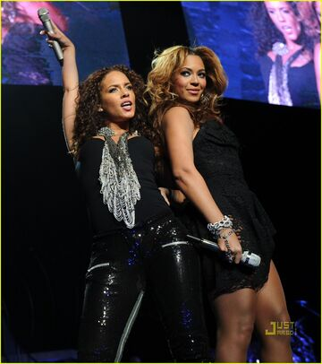 Beyonce-knowles-alicia-keys-madison-square-garden-03