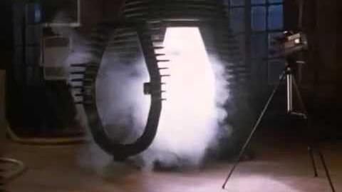 The Fly 1986 - human teleportation