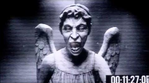 Doctor Who - The Time of Angels - Amy and the Angel (2)
