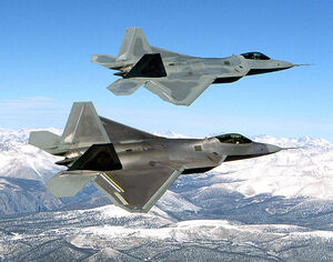 800px-Two F-22 Raptor in flying