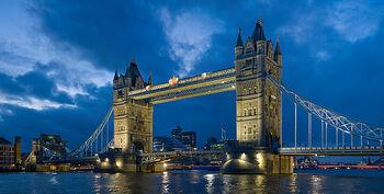 640px-Tower bridge London Twilight - November 2006