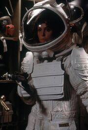 Alien-space-suit-ripley