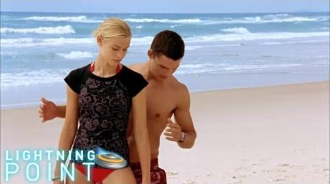 Lightning Point Alien Surfgirls S1 E14 Distracted