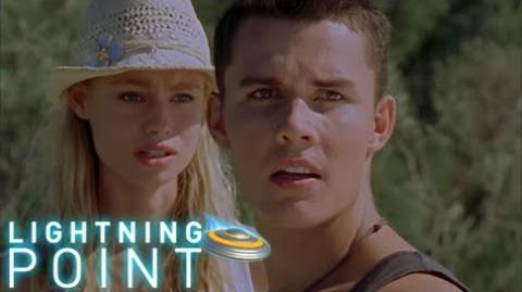 Lightning Point Alien Surfgirls S1 E21 Heartbreak