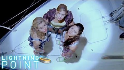 Lightning Point Alien Surfgirls S1 E26 Flight