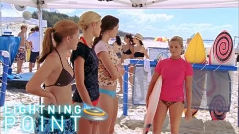 Lightning Point Alien Surfgirls S1 E23 Surf´s Up