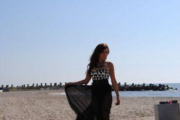 Alina-eremia-ultra-sexy-pe-platourile-de-filmare-al-primului-ei-clip-vezi-imagini-din-timpul-filmarilor 7