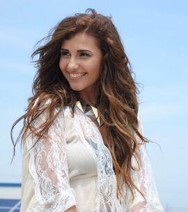 Alina-eremia-ultra-sexy-pe-platourile-de-filmare-al-primului-ei-clip-vezi-imagini-din-timpul-filmarilor 12