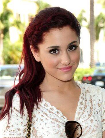 File:Ariana-grande-303994.jpg