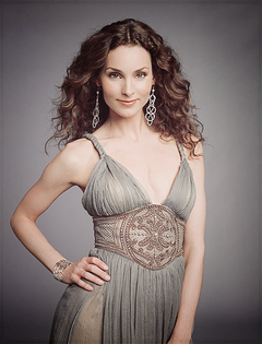 Alicia Minshew as Kendall