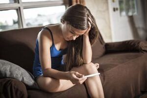 Pregnant teen-620x414