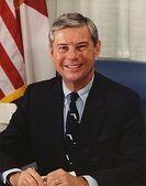 220px-Bob Graham, official Senate photo portrait, color