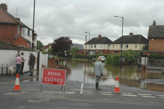 File:Alcester Flood - July 2007.jpg