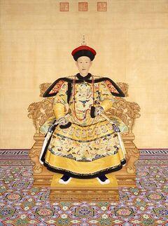 447px-清 郎世宁绘《清高宗乾隆帝朝服像》