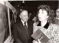Augusto Pinochet y su hija Lucía en exposición