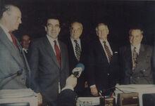 Arturo Alessandri Besa, junto a Gabriel Valdés, Eduardo Frei, Beltrán Urenda (1992)