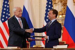 McCain and Medvedev sign Prague Treaty 2010