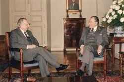Máximo Pacheco en reunión con el Presidente Patricio Aylwin en la Moneda