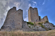 Medieval-Castle-Ruins-in-Carpineti-Town-Italy
