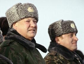 Борис Ельцин и Грачёв