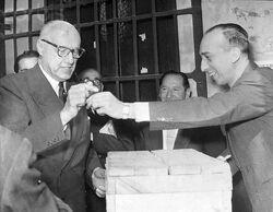 Alessandri votando en 1970