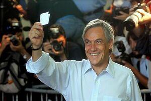 Piñera votando