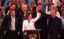 Josefina Vazquez en campaña con Calderón