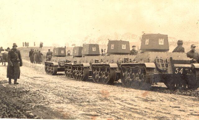File:Lithuanian tanks heading to Lithuanian capital Vilnius in 1939.jpg