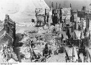 Bundesarchiv Bild 146-1971-042-08, Calais, zerstörtes Hafenviertel