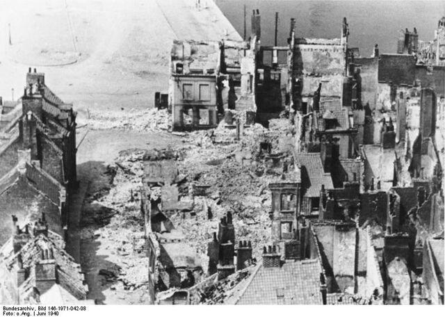 File:Bundesarchiv Bild 146-1971-042-08, Calais, zerstörtes Hafenviertel.jpg
