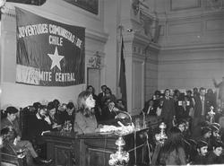 Gladys Marín junto a las Juventudes Comunistas