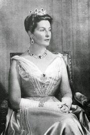 1the princess-H.R.H. Princess Isabelle d'Orleans, Countess de Paris, née Princess d'Orleans-Bragança (1911-2003)la c paris