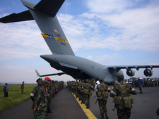 Kenyan Soldiers transport with USAF C-17