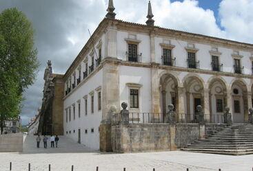 Alcobaca.mosteiro.north.side.corner