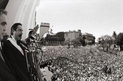 Alfonsin en Plaza de Mayo