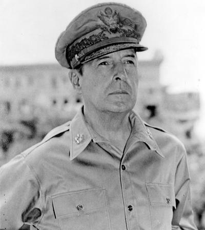 File:Douglas MacArthur.jpg