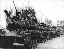330px-Tanques ocupam a Avenida Presidente Vargas, 1968-04-04