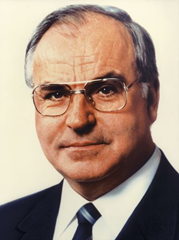 Helmut Kohl offical portrait