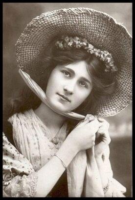 Кристина Моро 1918
