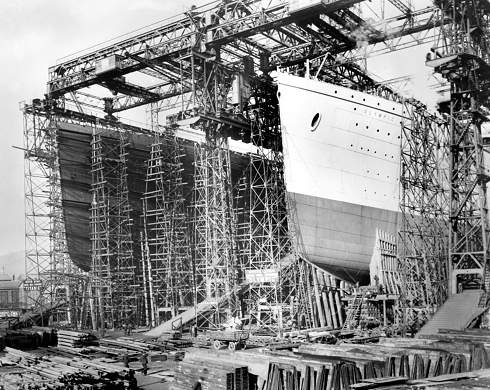 File:Olympic-and-titanic-being-built-in-belfast.-135-p.jpg
