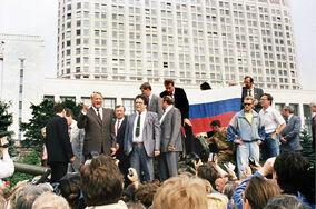 Ельцин выступает с танка