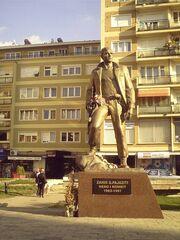 6 1202855580 statue-of-a-kla-xmartyrx