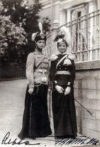 Великие княжны Ольга и Татьяна Николаевны 1910
