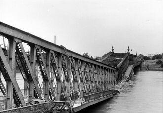 Мост разделяющий Кель и Страсбург