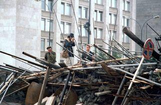1991-Barrikad-BelyDom